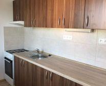 Prenájom 2 izbový byt 50 m2 Handlová 79051