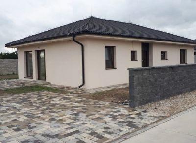 Príjemný 4-izbový rodinný dom umimestnený na priestrannom pozemku v blízosti RegioJetu