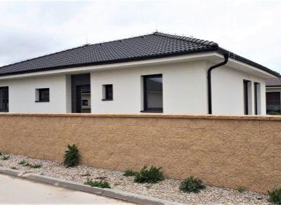 Klasický 4-izbový rodinný bungalov v peknej lokalite Hviezdoslavova v blízkosti RegioJetu
