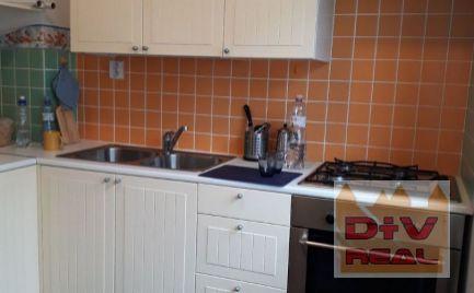 D+V real ponúka na prenájom:  2 izbový byt, Krížna, Bratislava I, Staré Mesto, zariadený, klimatizácia, samostatná kuchyňa
