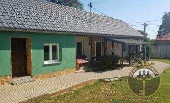 Na predaj 2 rodinné domy s veľkým pozemkom v obci Buzica