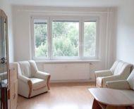 Predaj, priestranný 2 izbový byt s loggiou, Banská Bystrica