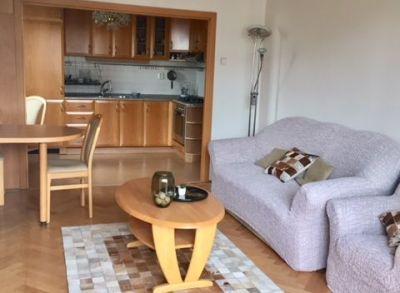 Ponúkame Vám na prenajom 2 izbový byt Bratislava-Nové Mesto, Vajnorska.