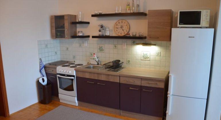 Prenájom 1 izbový apartmán Bratislava-Petržalka, Zadunajská cesta