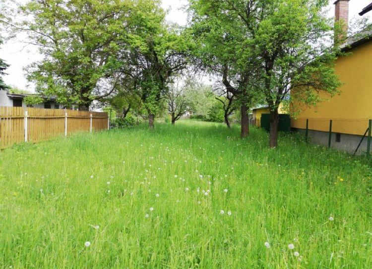 Predaj Stavebný pozemok s projektom 1074 m2 Lietavská Lúčka