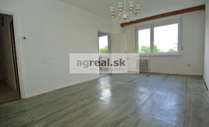 Predaj-  priestranný 3- izb. byt (82,78 m2 + 3,31 m2 balkón) s výbornou dispozíciou  v tichom prostredí na ul. Štefunkova, Bratislava II – Ružinov