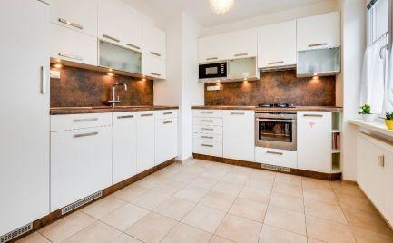 PREDAJ priestranný luxusne prerobený 3 izbový byt širšie centrum Bratislava Ružinov NIVY Nitrianska EXPIS REAL