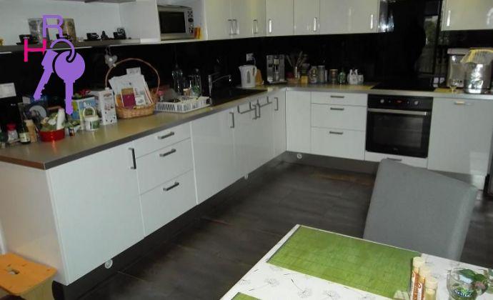 kompletne zariadený 2 izb. byt s predzáhradou v tichej lokalite na ul. Tylova Bratislava - Nové Mesto