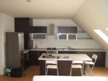 Mezonetový byt v širšom centre Trnavy, Ľ. Podjavorinskej, 100m2, aj so zariadením, nadstavba 2008