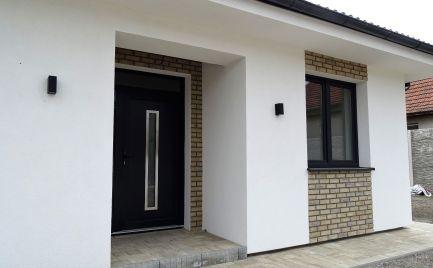 Novostavba bungalovu s dobrým dispozičným riešením