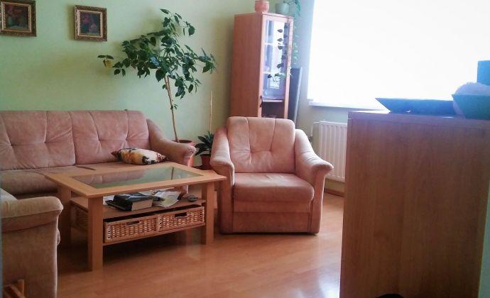 Pekný 3-izbový byt, 64 m2 + loggia, Holíčska ul. BA V- Petržalka
