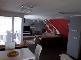 Nadštandardný 5 izbový mezonet - v cene 2 parkovacie miesta v prízemí bytového domu....Banská Bystrica