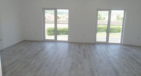 Na prenájom komerčný priestor, 26 m2, Trenčín, ul. Bratislavská