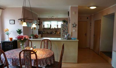 MARTIN dvojgeneračný 6 izbový dom na poz. 930m2, Stráne