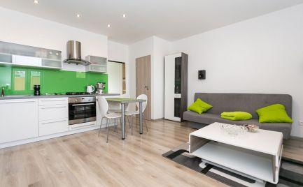 Tehlový 3 izbový byt o výmere 113 m2, s lodžiou  v centre B.  Bystrice - kom.  rekonštrukcia - cena 144 900 €