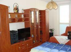 KALINKOVO, okr. Senec – NA PREDAJ čiastočne zrekonštruovaný,  priestranný 3 izbový byt s 2 balkónmi a garážou
