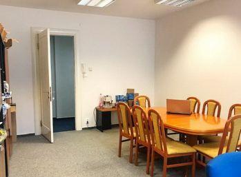 BA Laurinská – veľmi pekné samostatné kancelárie 28,68 a 31,26 m2.