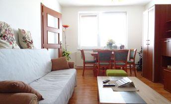 Ponúkame na predaj 3 izbový byt , Senec, 71 m2 + loggia, blízo centra mesta, kompletná rekonštrukcia