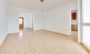 Ponúkame na predaj 4 izbový byt + kuchyňa + pivnica, 2 x balkón, vlastný kotol, SENEC ,15 ročná stavba.