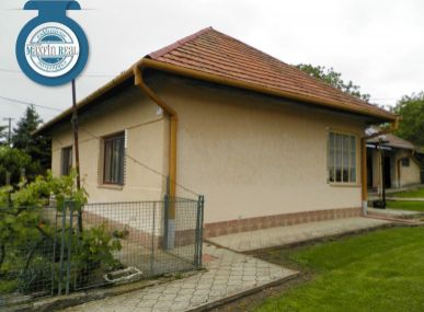 MAXFINREAL predáme exkluzívne zachovalý rodinný dom pri Vrábľoch