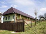 Sucháň – štýlová rodinná usadlosť, pozemok 2864 m2 – predaj