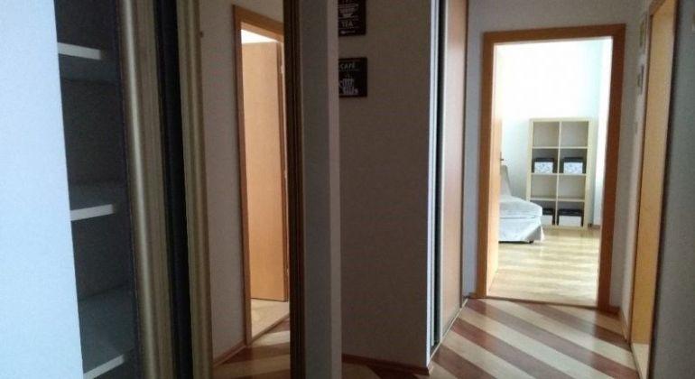 Prenájom 2 izbový byt Bratislava-Staré Mesto, Kmeťovo námestie