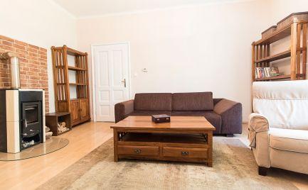 DOM-REALÍT ponúka: Na prenájom priestranný a zariadený 3i byt s loggiou, Mlynské Nivy, Staré Mesto, BA I.
