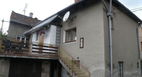 Iba u nás! Dvojgeneračný rodinný dom 6+2, 544 m2, Ružomberok