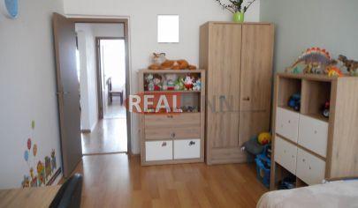 Realfinn- REZERVOVANÉ- predaj trojizbový byt s lodžiou Nové Zámky, sídlisko JUH