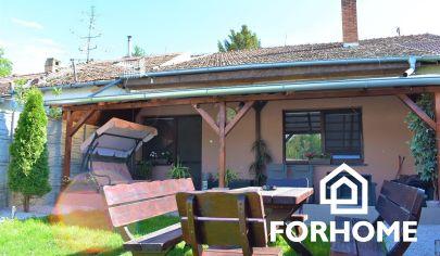 ZNÍŽENÁ CENA!!! Ponúkame na predaj pekný rodinný dom v obci Nesvady v časti Aňala.