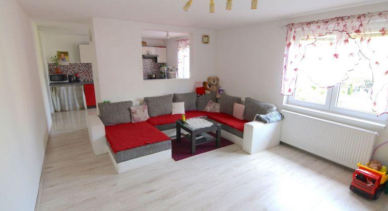 Predaj rodinného domu po čiastočnej rekonštrukcii v obci Ochodnica | 530 m2 rovinatý pozemok