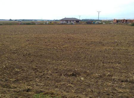Predaj pozemku v Hlbokom