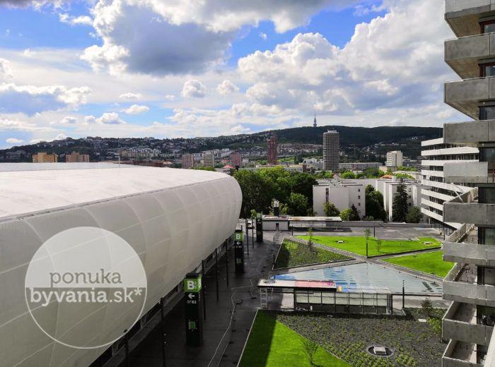 PREDANÉ - TEHELNÉ POLE, 2-i byt, 61 m2 - centrum Bratislavy AKO NA DLANI, obrovská TERASA, lukratívna lokalita