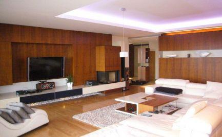 Ponúkame na predaj exkluzívny 5-izbový byt s krásnym panoramatickým výhľadom v novostavbe Condominium Renaissance.