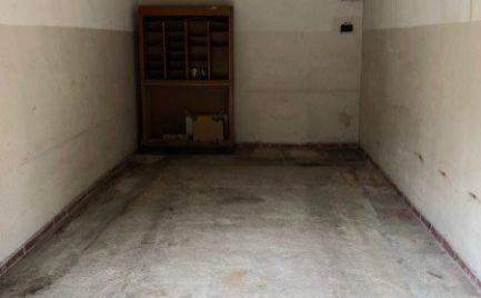Ponúkame na predaj murovanú garáž vo veľkosti 18m2 v Prievoze na Stachanovskej ulici, Bratislava II.  – Ružinov.