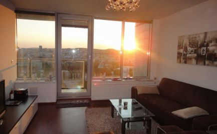 Ponúkame do prenájmu luxusný 3izb byt v novostavbe, v objekte TRI VEŽE  na Bajkalskej ulici.