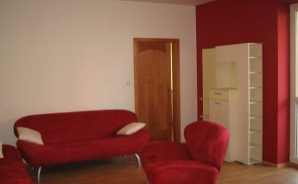 Ponúkame na prenájom 3-izbový byt na Šustekovej ulici, Bratislava V. – Petržalka.