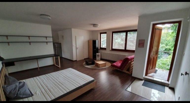 Prenájom 1 izbový byt Bratislava-Staré Mesto, Dankovského ulica