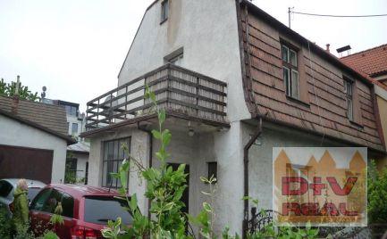 D+V real ponúka na predaj: starší rodinný dom, lokalita Patrónka, nutná rekonštrukcia, pozemok 400m2