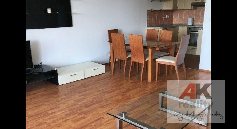 Prenájom 3 izbový byt Bratislava-Ružinov, Tomášikova