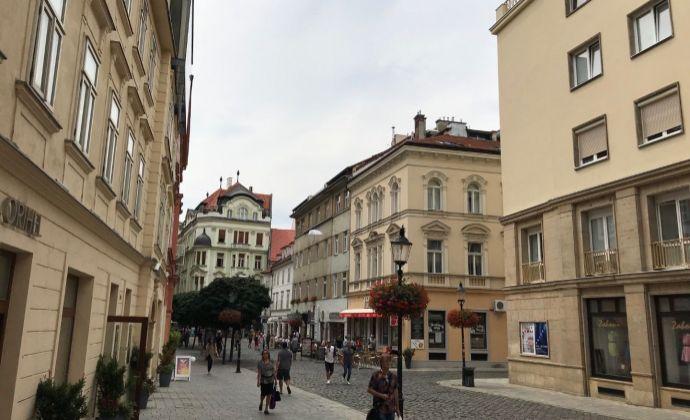 BA I centrum Laurinská Staré Mesto ponuka prenájom kompletne zariadeného 3 izbového mezonetového bytu 130 m2