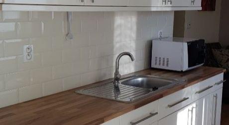 Kuchárek-real: Predaj 2-izb. bytu, Viničné, okres Pezinok-vlastné kúrenie.