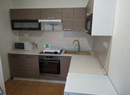 DIAMOND HOME s.r.o. exkluzívne ponúka Vám na prenájom kompletne zariadený a kompletne zrekonštruovaný 2 izbový byt v Dunajskej Strede na Námestí priateľstva.