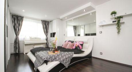 REZERVOVANÉ! Na predaj luxusný 2 izbový byt s balkónom 64m2 - DCA