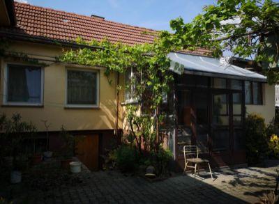 Areté real, Predaj 4-izbového rodinného domu po čiastočnej rekonštrukcii v dobrej lokalite v Pezinku