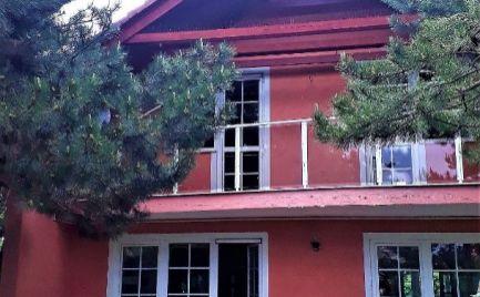 Veľký dom, veľká záhrada, bazén, tichá časť Jarovce - Bratislava