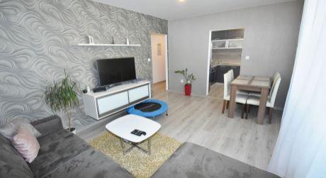 Na predaj pekný 3 izbový byt s balkónom, 69 m2, Trenčín, J. Halašu