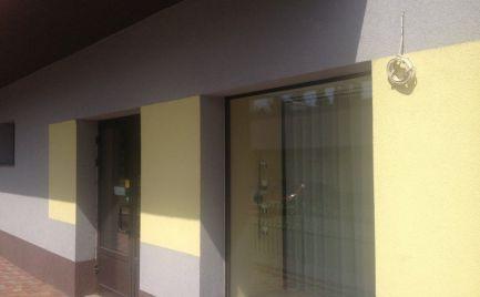 Obchodný priestor v obytnej zóne, 112 m2, Rača