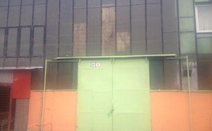 Skladovo-výrobný priestor 540 m2 s 2-tonovým žeriavom, Bratislava - Dúbravka