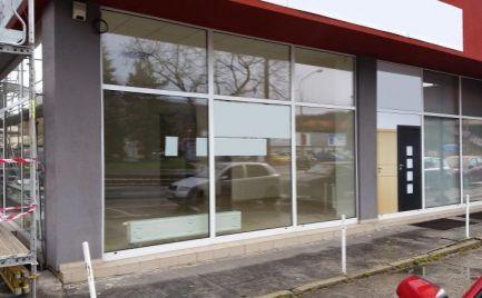 Pekný obchodný priestor s výkladmi, 94 m2, Račianska ulica